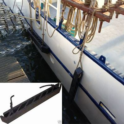 Dutch Barge Tiptop fender (Wrijfhout zigzag design)